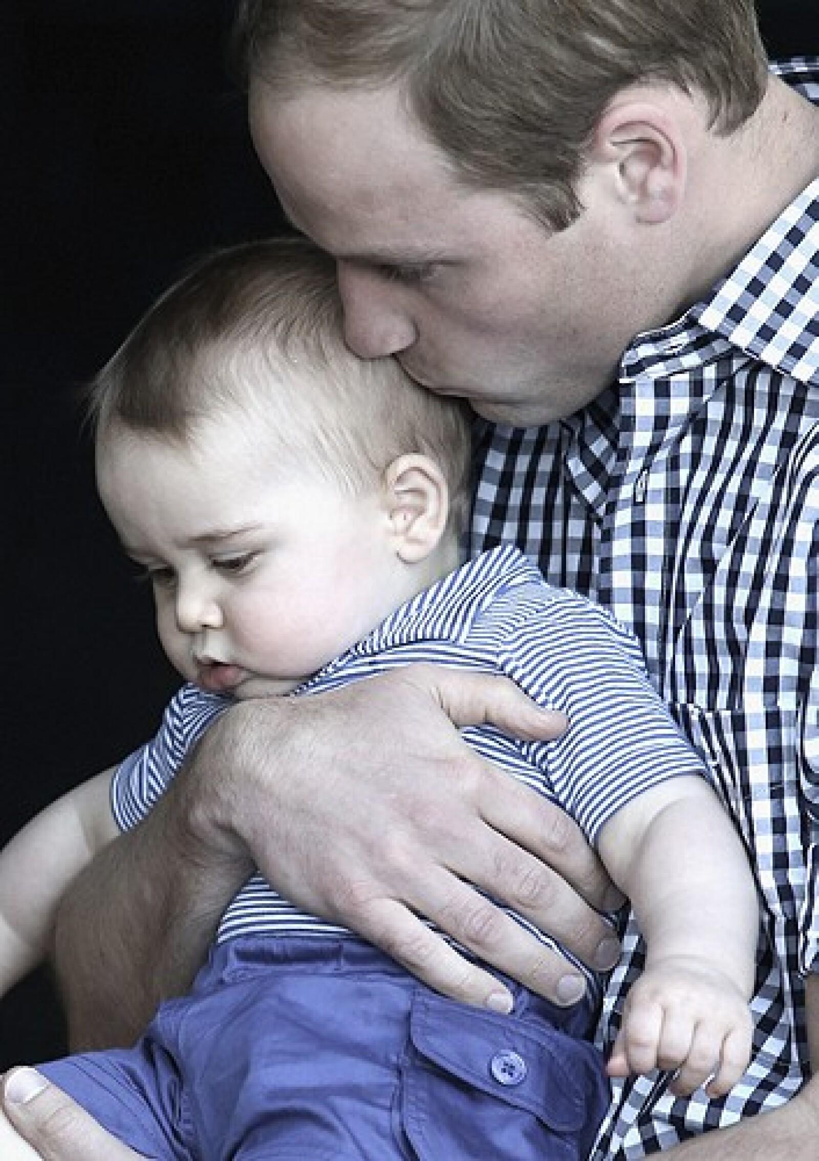 El prínicpe Guillermo es papá de el príncipe George.