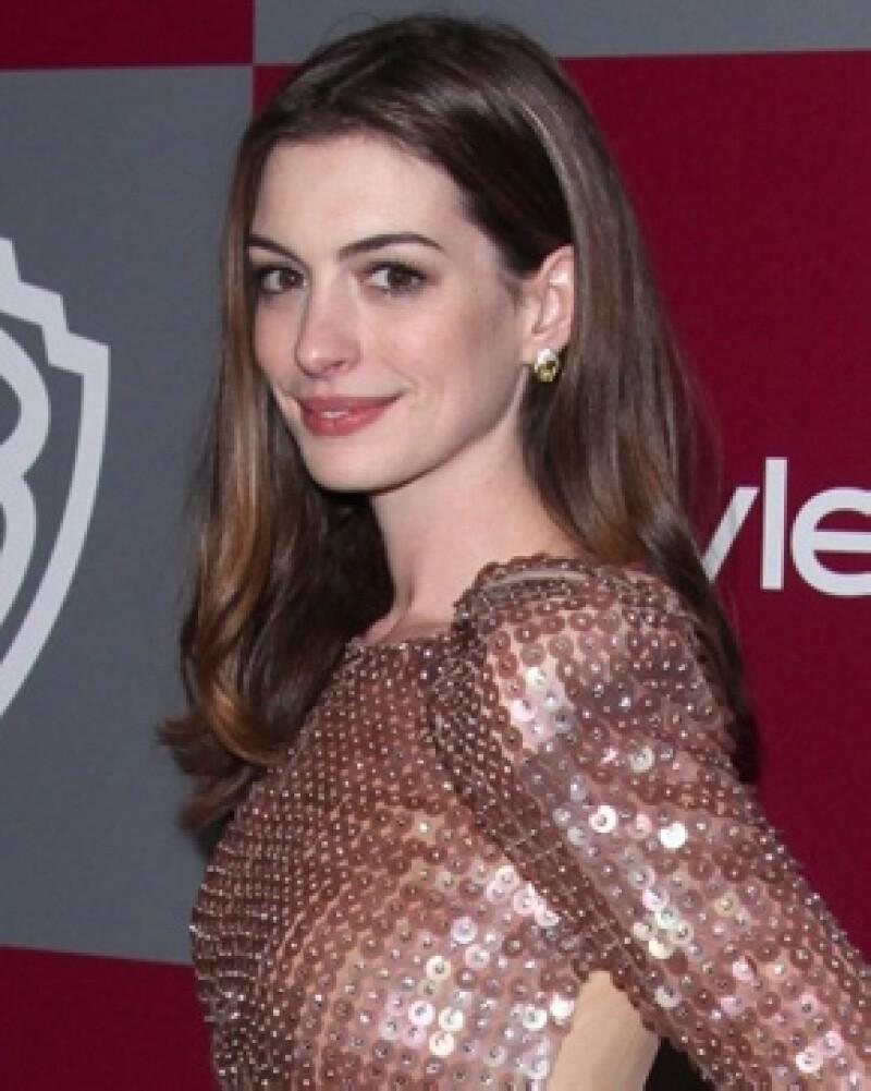 Los estucios Warner Bros confirmaron que la elegida para ser la sexy batinovia es la actriz de `The devil wears Prada´.