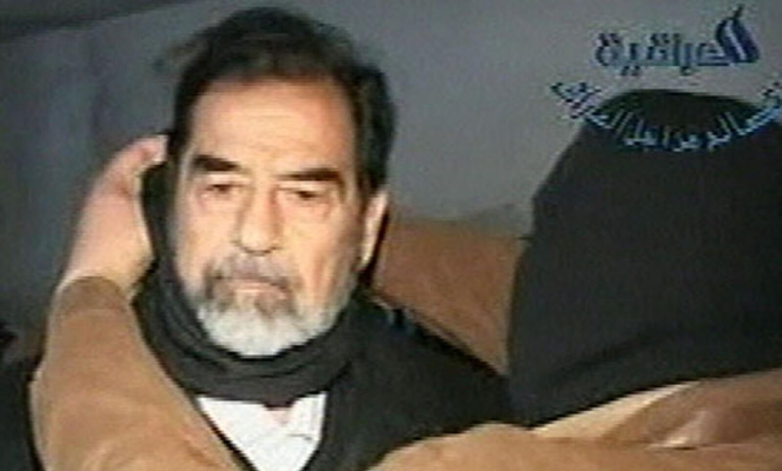 Después de la invasión de 2003, Saddam Hussein, presidente de Irak, fue capturado por las fuerzas armadas estadounidenses. En junio de 2004 inició su proceso de juicio político y finalmente fue ejecutado a finales de 2006 en una base al noreste de Baghdad