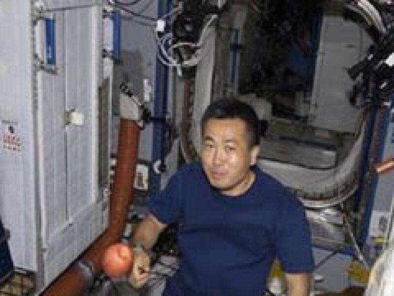 La ropa interior ahorrará gastos en el futro de la exploración espacial.  (Foto: Reuters)