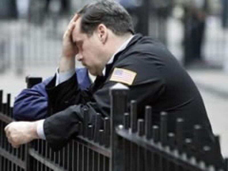 La recesión económica amenaza con disparar la tasa de desempleo en EU. (Foto: Archivo)