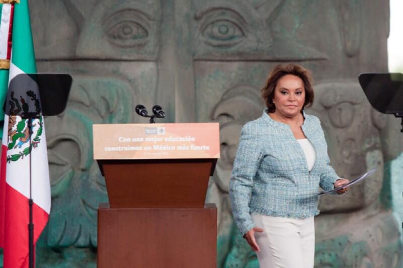 Elba Esther Gordillo sale de prisión para estar en el funeral de su hija.
