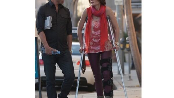 La modelo sufrió una caída que le provocó la ruptura de una de sus rodillas, mientras esquiaba en Aspen con su ex pareja Chris Brown.