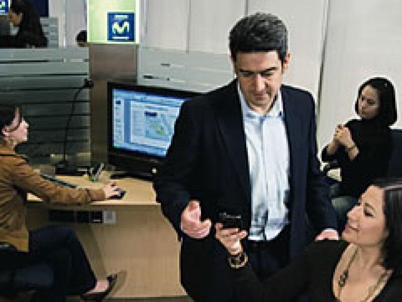 Telefónica enfrenta a América Móvil enfocándose en la atención al cliente. (Foto: Gilberto Contreras)