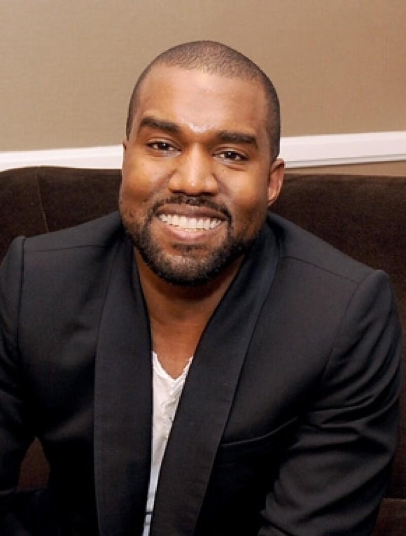 West le aseguró a Ryan Seacrest que su Kim usará su apellido.