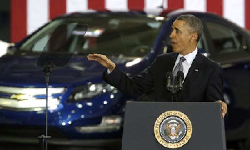 Obama dice que su propuesta no es solamente un plan de energía limpia, sino que también busca crear oportunidades de crecimiento económico. (Foto: AP)