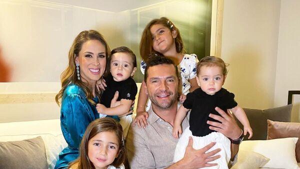 jacky-bracamontes-familia.jpg