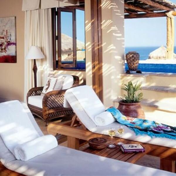 Este lujoso resort incluye 57 habitaciones, 60 villas privadas, un SPA con servicios completos y un restaurante de firma propia.