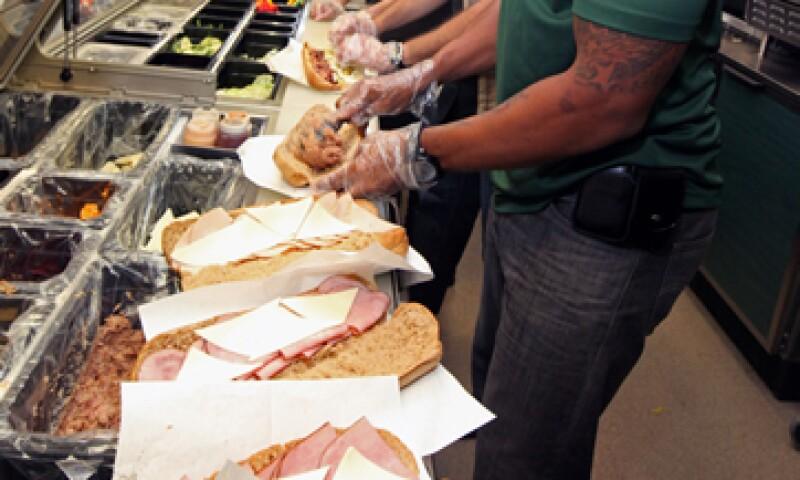 La firma había dicho la semana pasada que la longitud del pan podría variar si algunos establecimientos no hacían el horneado bien. (Foto: AP)