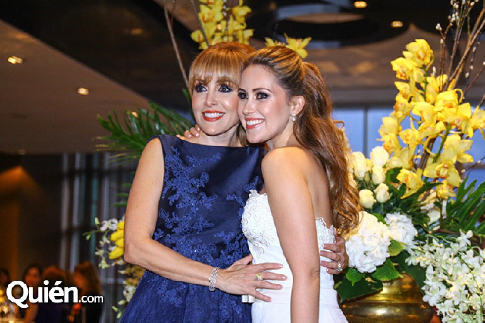 Ivette de Ferrara y Nicole Ferrara