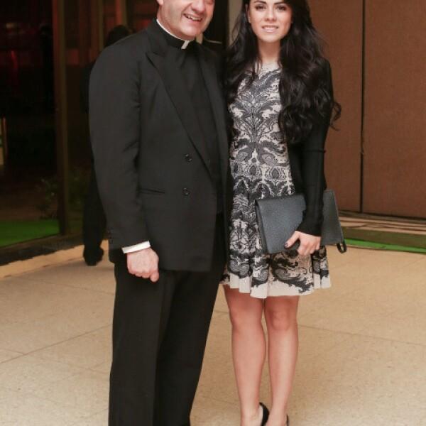 Padre Jesús Quirce y Paulina Peña.