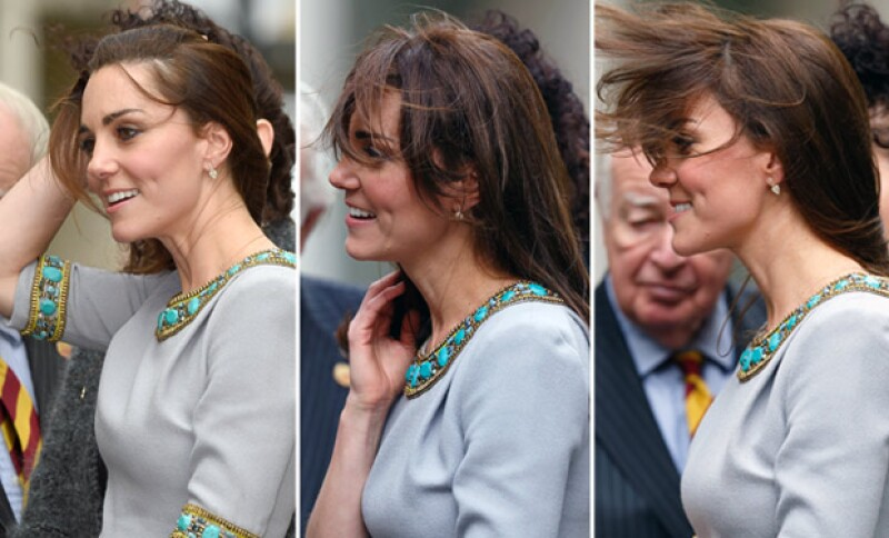 Durante su asistencia a la fundación Place2Be, Kate Middleton fue traicionada por el fuerte viento.