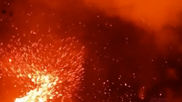 Aparece un torbellino de lava en el volcán Kilauea de Hawai
