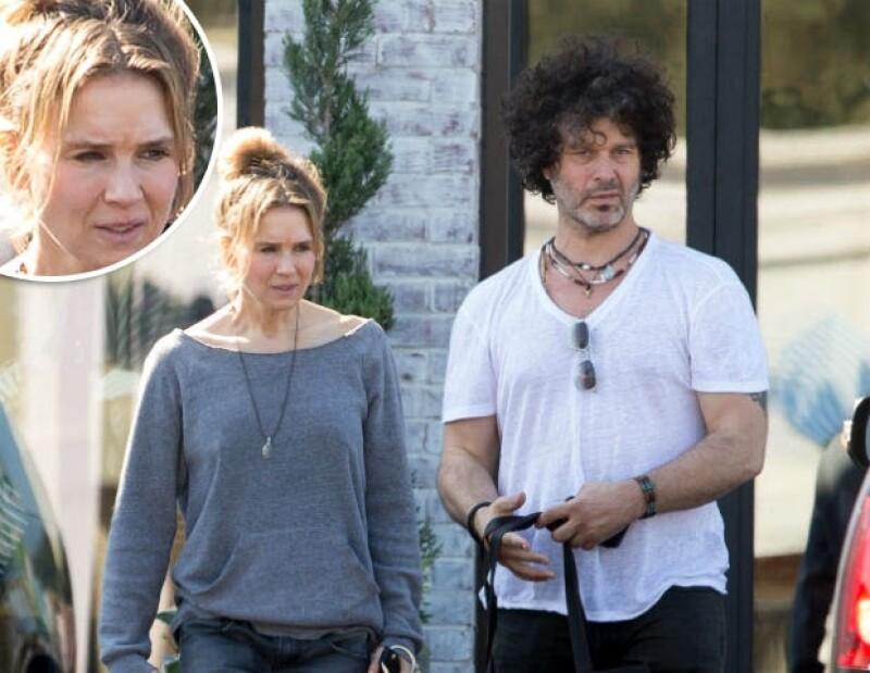 """Renée acompañada por su novio en Mississippi. La actriz dice que es """"tonto"""" que aseguren que se hizo cirugías."""