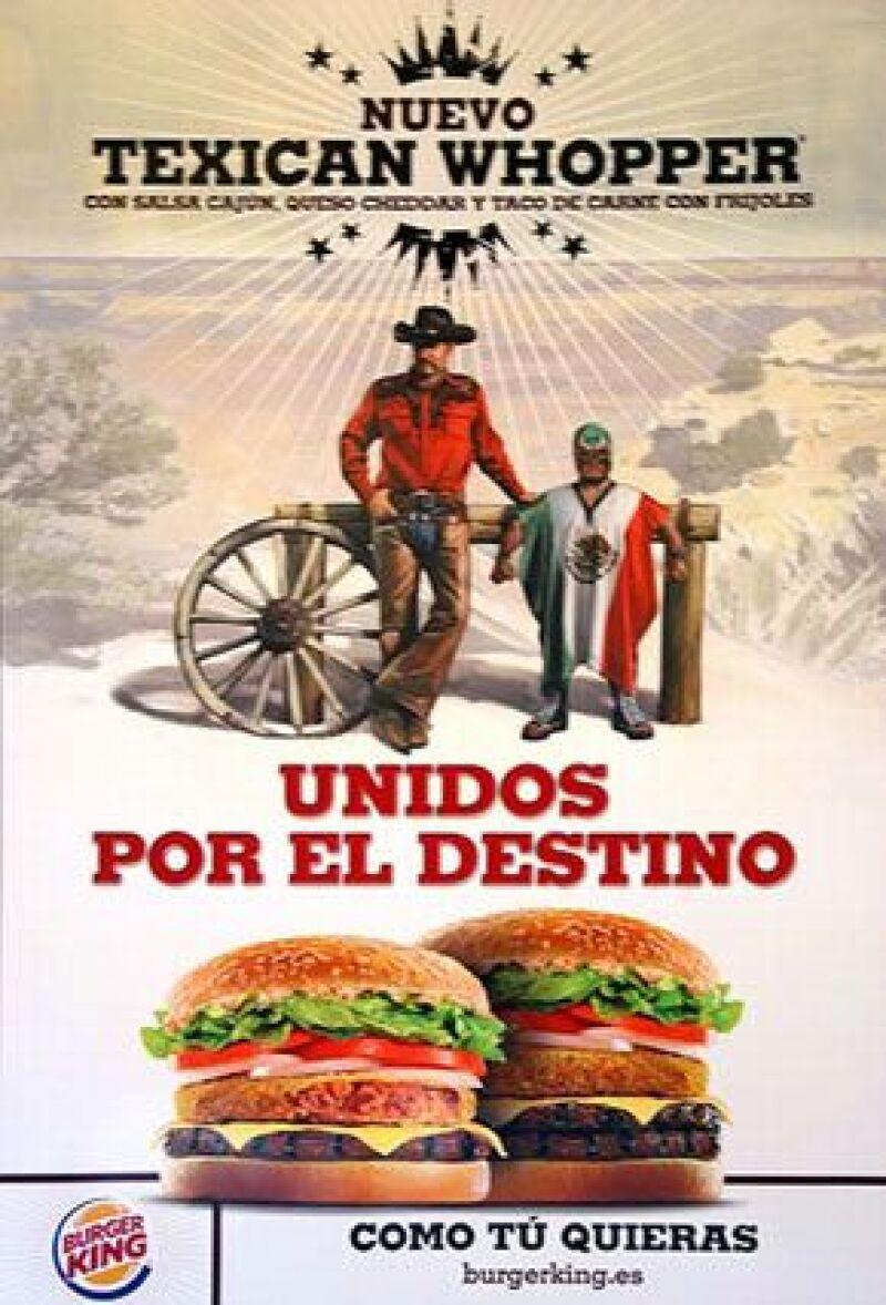 La cadena Burger King publicó un anuncio en el que utiliza la imagen de un hombre rechoncho disfrazado de luchador con una máscara, un traje y una capa con los colores de la bandera mexicana.
