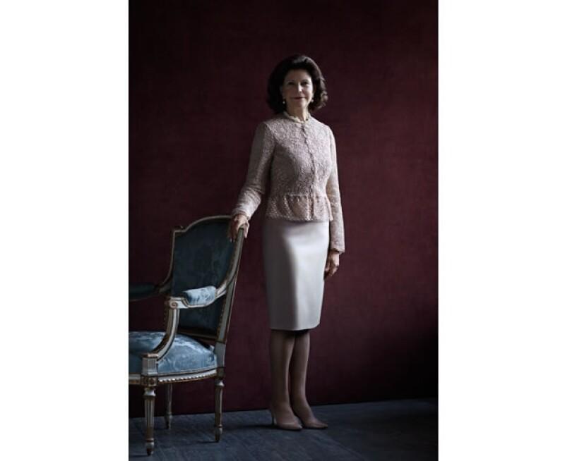 La monarca, esposa del rey Carlos Gustavo, cumplió años esta semana. Te contamos aquí cómo fueron las celebraciones y te mostramos el retrato que se publicó en honor a la especial fecha.