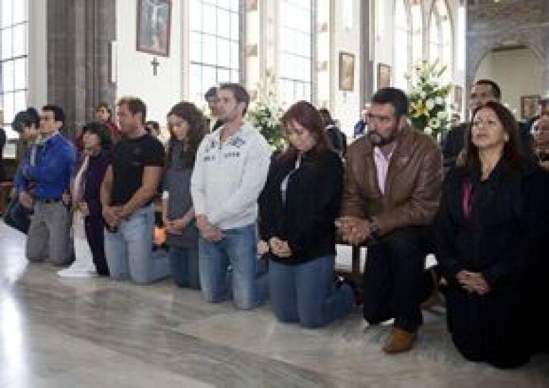 El elenco y la producción asistieron a una misa en una iglesia de Villas de Canalejas, municipio de Jilotepec, Estado de México.