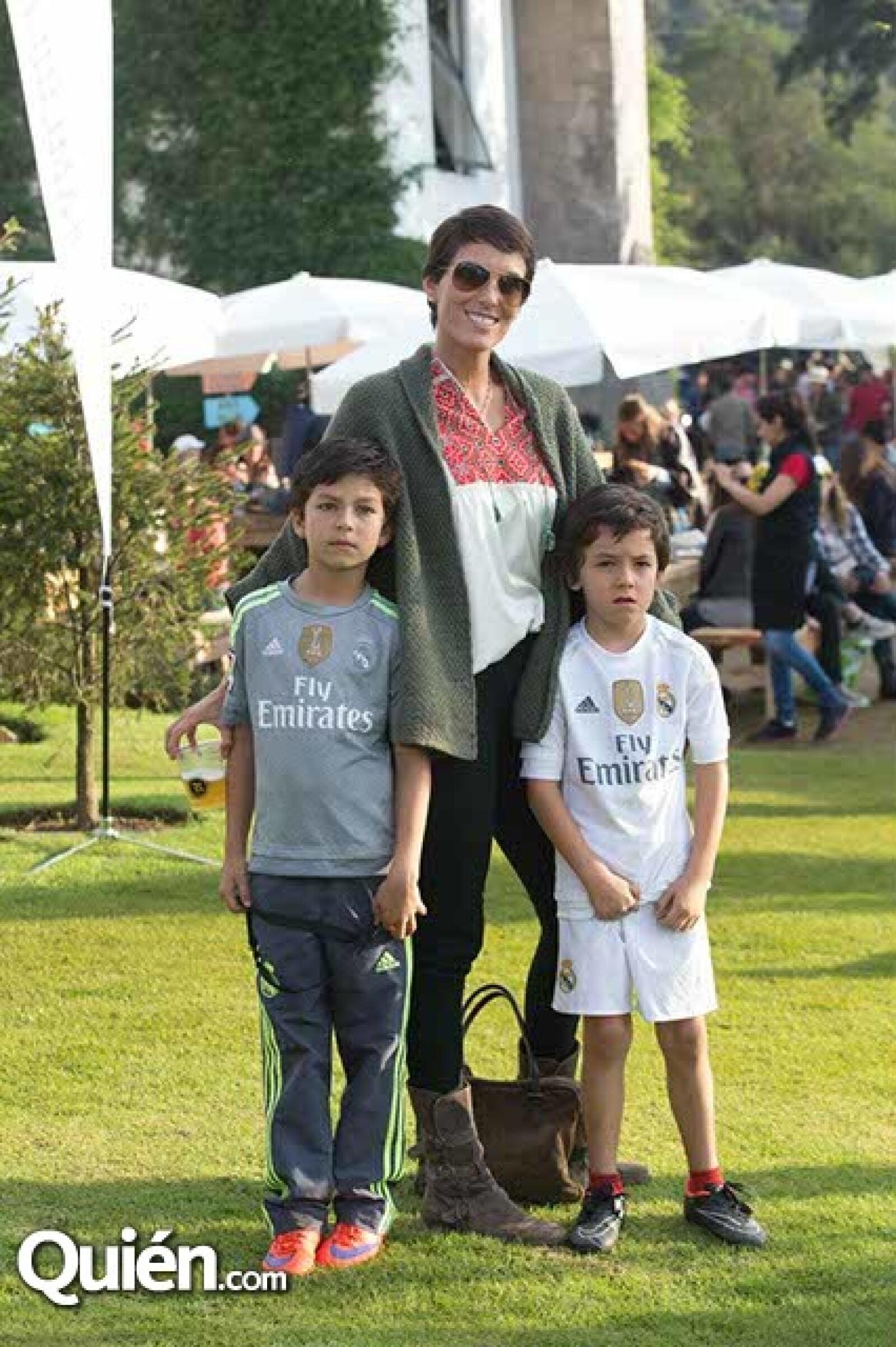 Ana Gaby Peralta,Gabriel y Cristobal Moctezuma