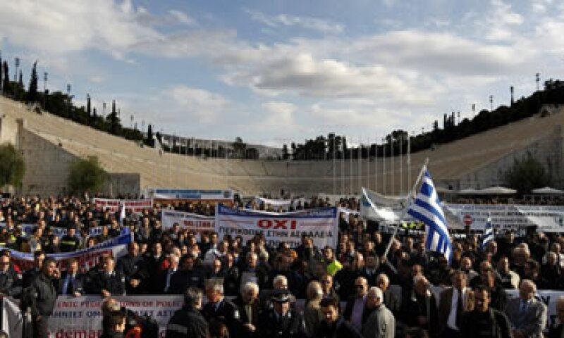 La huelga de los griegos afectó el suministro de combustibles y energía, así como la distribución de alimentos y los servicios en hospitales. (Foto: AP)