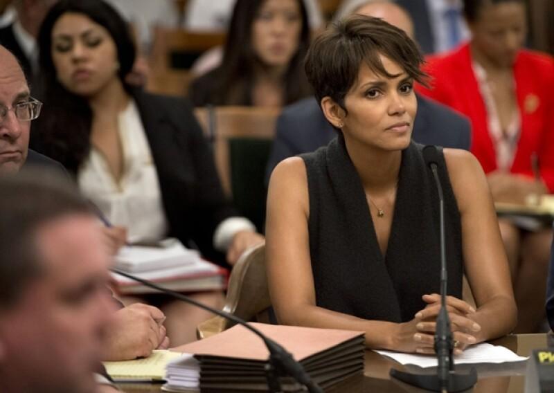 La actriz se mostró incansable para lograr que la ley Anti Paparazzi se aprobara en California.