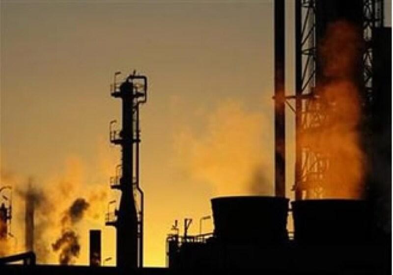 Al cierre de jornada, el petróleo avanzó 3.19%. (Foto: Reuters)