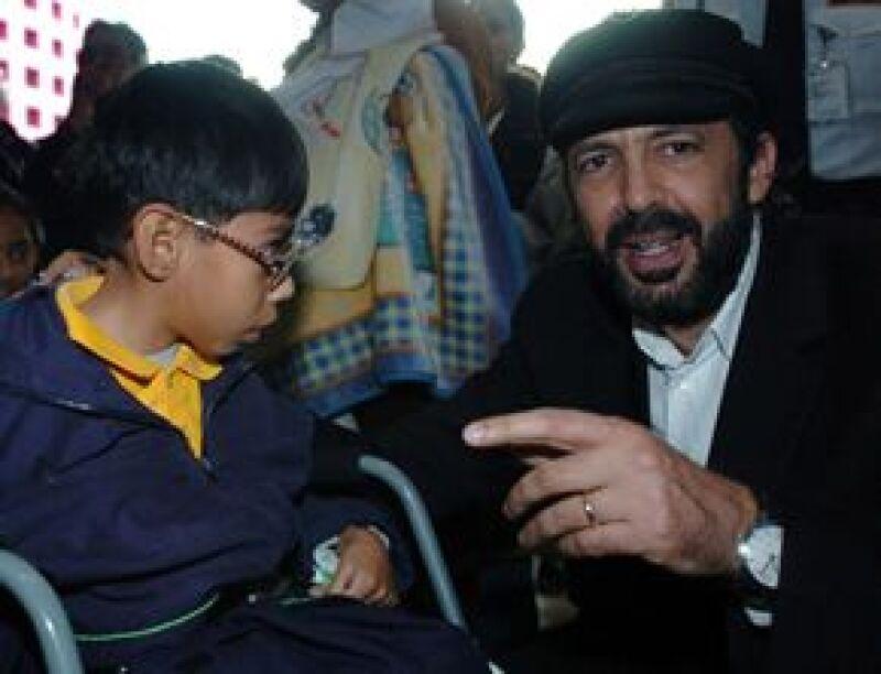La UNESCO recibió el título en París por sus esfuerzos a favor de los niños minusválidos.