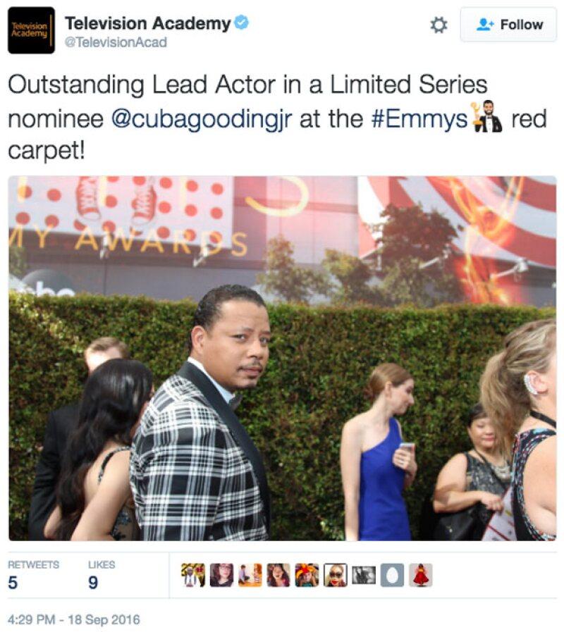 Este fue el primer tuit que la cuenta de los Emmy publicó.