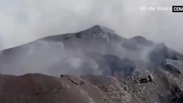 El cráter del Popocatépetl crece y así luce desde el aire