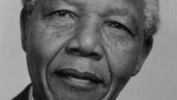 El héroe de la democracia sudafricana, que luchó contra el sistema del &#39apartheid&#39, murió a los 95 años, confirmó el presidente de Sudáfrica