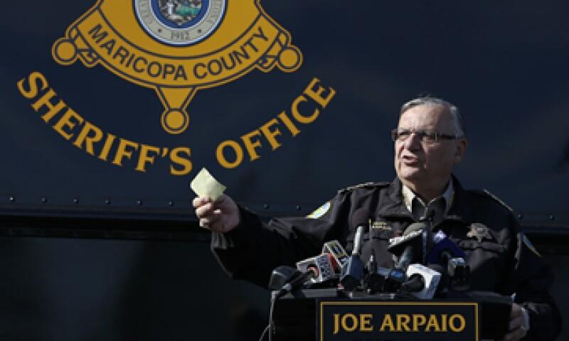 Joe Arpaio informó que fue su compañía crediticia quien le informó sobre un posible fraude. (Foto: AP)