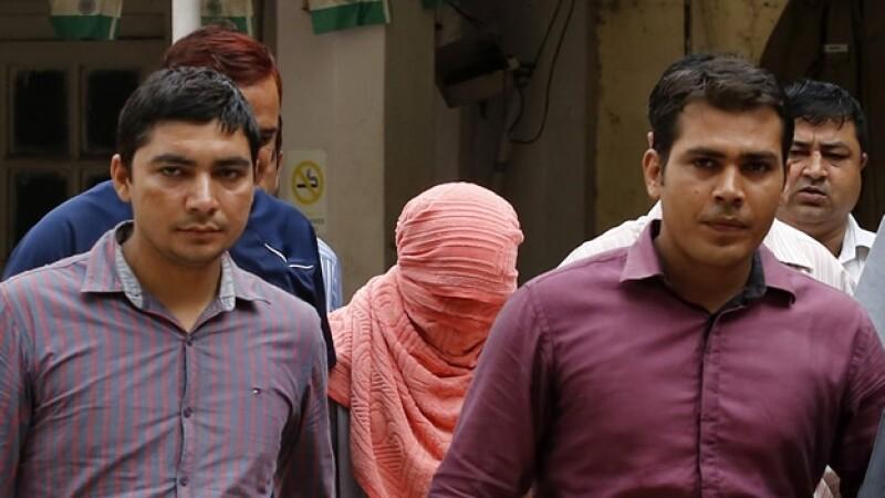 violación India sentencia adolescente