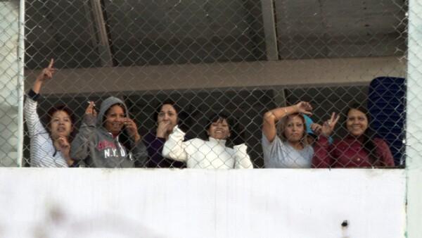 Ni mujeres ni menores de edad fueron heridos durante el enfrentamiento, en los edificios C2 y C3 de la cárcel, de acuerdo con las autoridades.