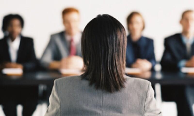 Un título no es sinónimo de éxito, si no se tiene el profesionista puede buscar certificar sus estudios de otra forma. (Foto: Thinkstock)