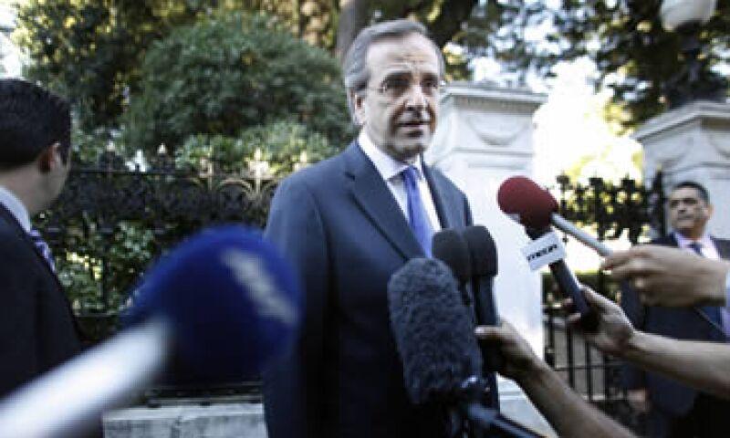 El primer ministro griego, Antonis Samaras, se sometió a una cirugía ocular el sábado. (Foto: AP)