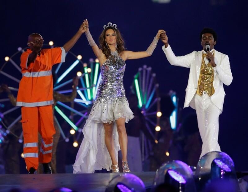 Alessandra Ambrosio es la reina del carnaval