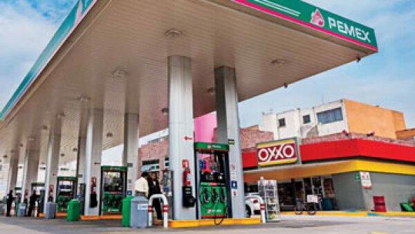 En 1996 FEMSA comenzó a comprar terrenos ara abrir una tienda Oxxo y ofrecer el resto del espacio para que algún franquiciatario de Pemex. (Foto: Jesús Almazán / Expansión)