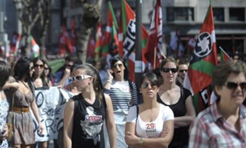 El gobierno de España asegura, pese a las huelgas, que la reforma laboral generará empleo en el país. (Foto: Reuters)