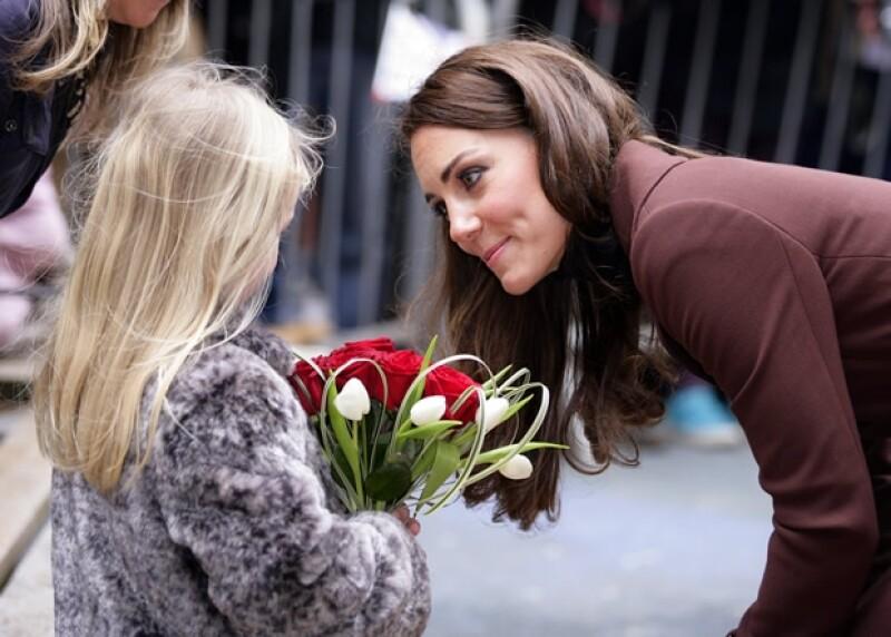 Kate recibió varios regalos de parte de los presentes.