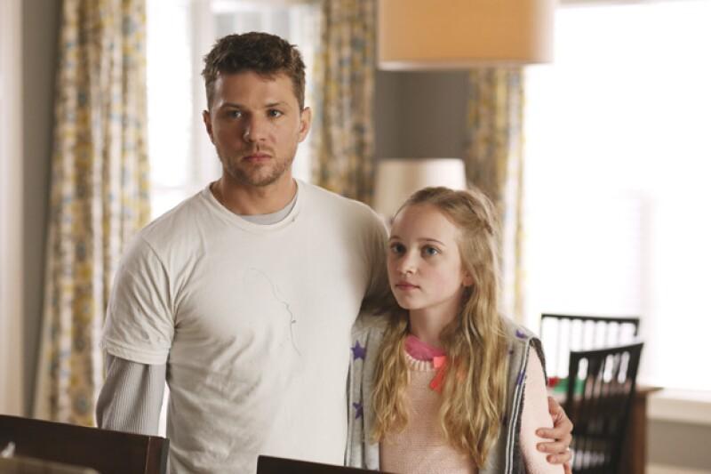 """El galán hace su reaparición en la pantalla chica con el papel protagónico de la serie """"Secrets and Lies"""", donde luchará por limpiar su nombre tras ser acusado de asesinato."""