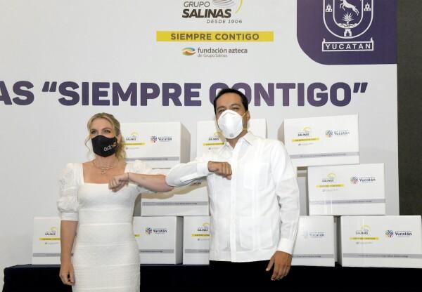 Ninfa Salinas Sada y Mauricio Vila Dosal (Gobernador de Yucatán).jpg