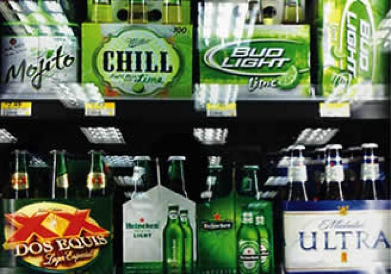 FEMSA cerveza tiene acaparado al 42.7% del mercado mexicano de cervezas. (Foto: Especial)