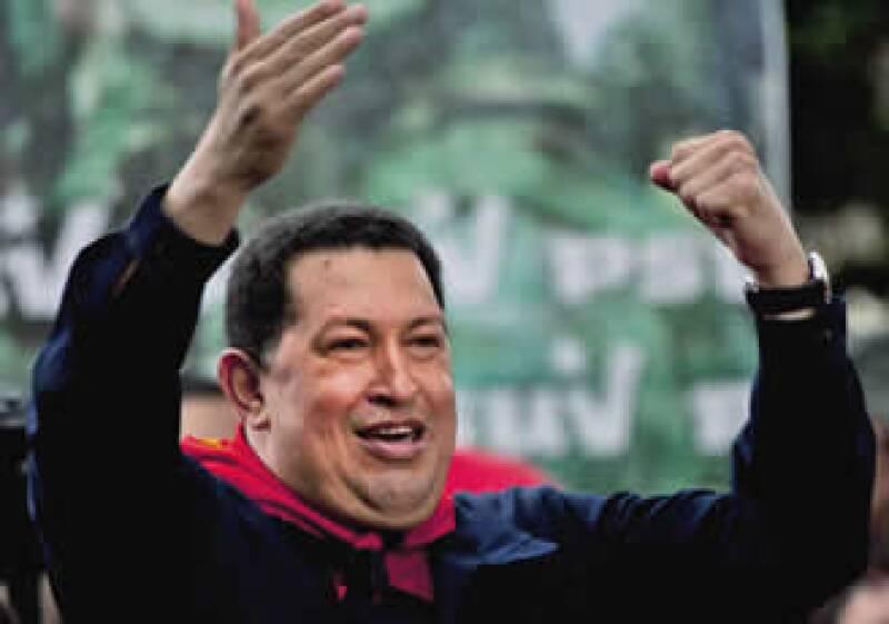 Hugo Chávez dijo que el incremento tendrá un costo para el Gobierno de 5,731 millones de bolívares. (Foto: AP)