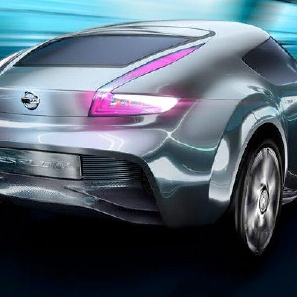 La automotriz japonesa explota al máximo su equipo de diseño con este híbrido de lujo y deportivo, capaz de alcanzar los 100 km/h en 5 segundos.
