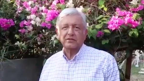 """""""Amor eterno"""" para las madres que ya no están, dice Andrés Manuel López Obrador"""
