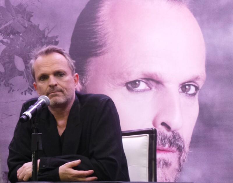 El astro español explicó en conferencia de prensa que dejó España para cambiar su residencia al país que lo vio nacer. El principal motivo es su familia.