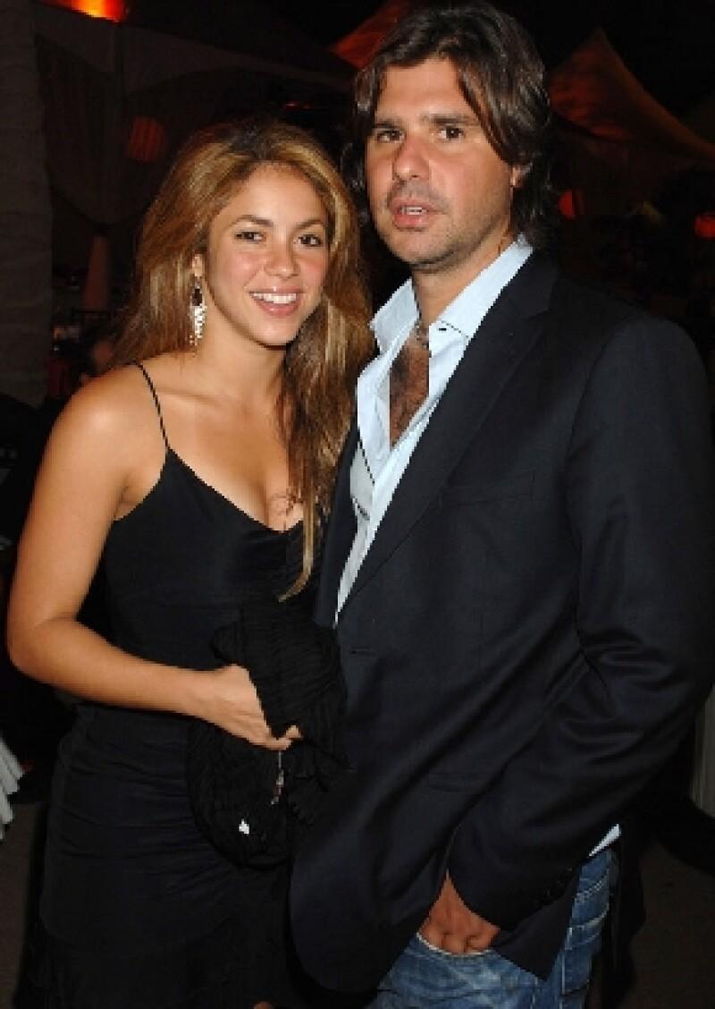 Shakira se niega a compartir su fortuna con Antonio de la Rúa