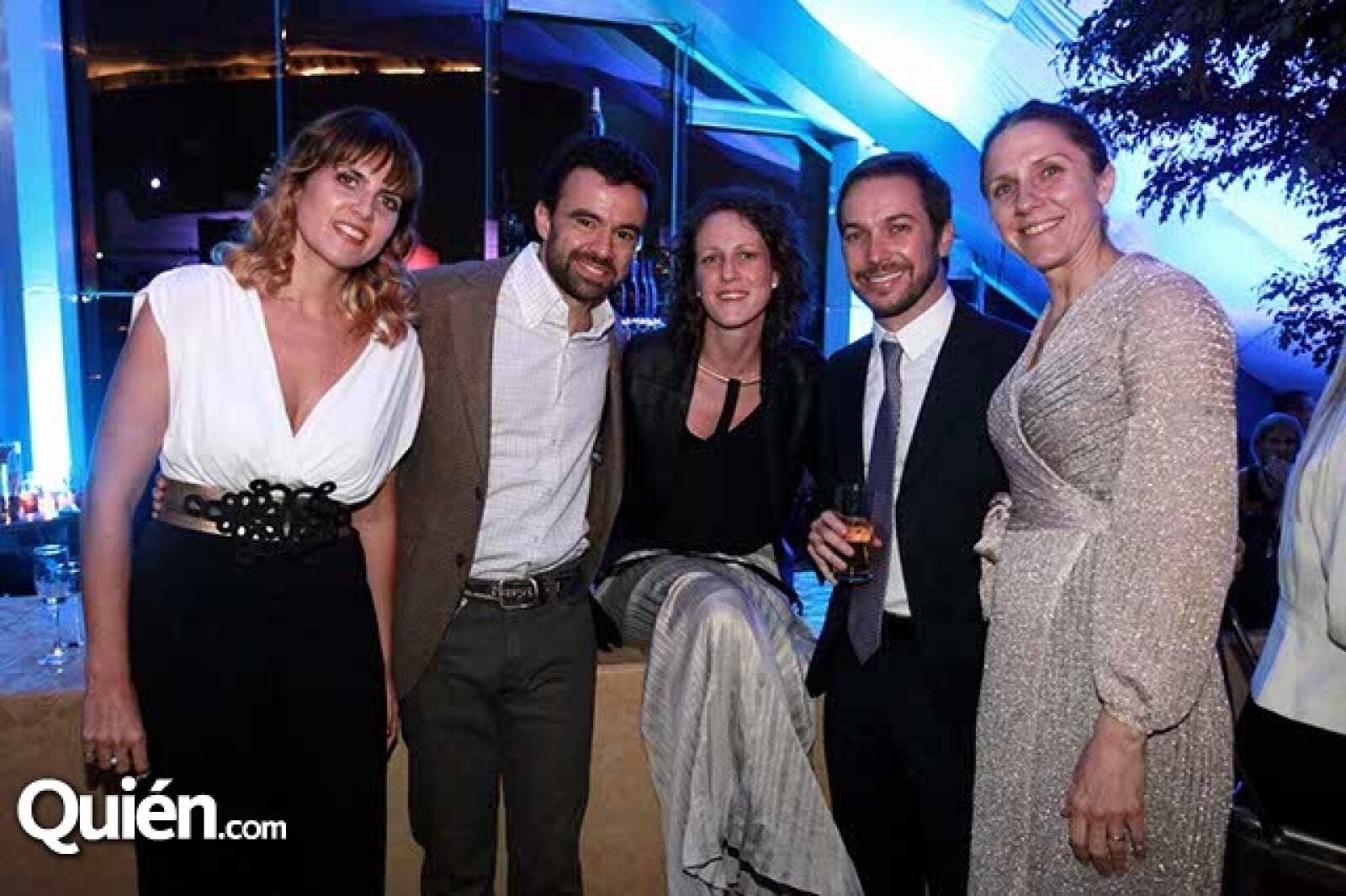 Alejandra Garza,Isidro López,María García,Joaquín Vargas y Vanessa Miklos