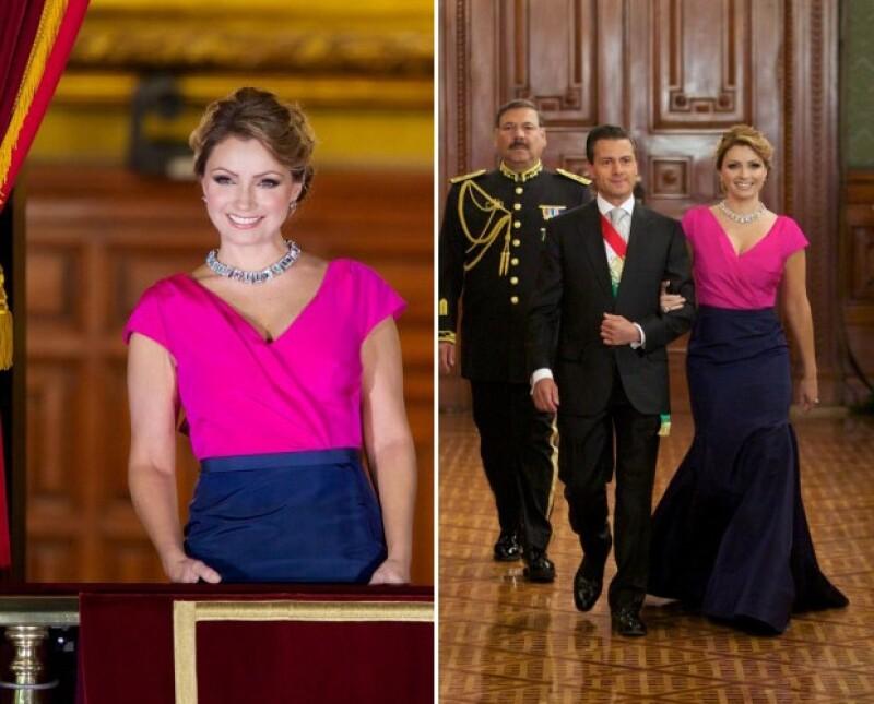 La primera dama lució elegante en colores como rosa mexicano y azul marino. Expertos opinaron sobre su elección para esta ceremonia del Grito de Independencia.