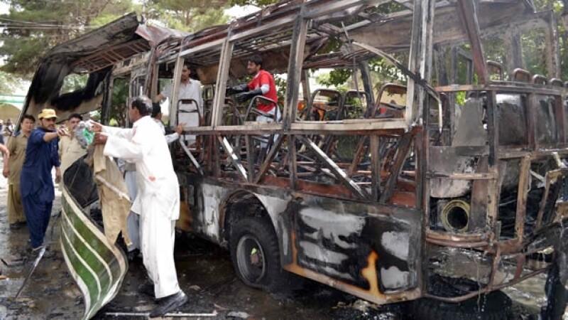 Pakistán bomba autobús