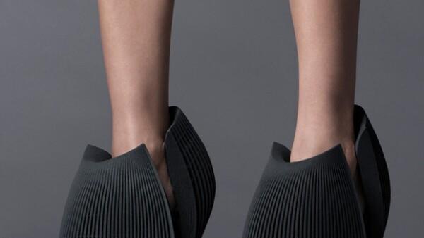 Fernando Romero, esposo de Soumaya Slim, es el único mexicano convocado a este proyecto en el que la marca United Nude le pidió a varios arquitectos y diseñadores que reinventaran los zapatos.